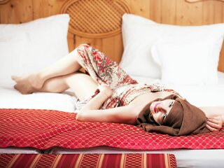 ArabianYasmina pics show amateur
