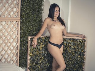 EvelynRae shows real adult